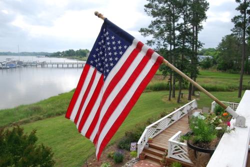 flag on balcony 5-28-2011 3-31-50 AM