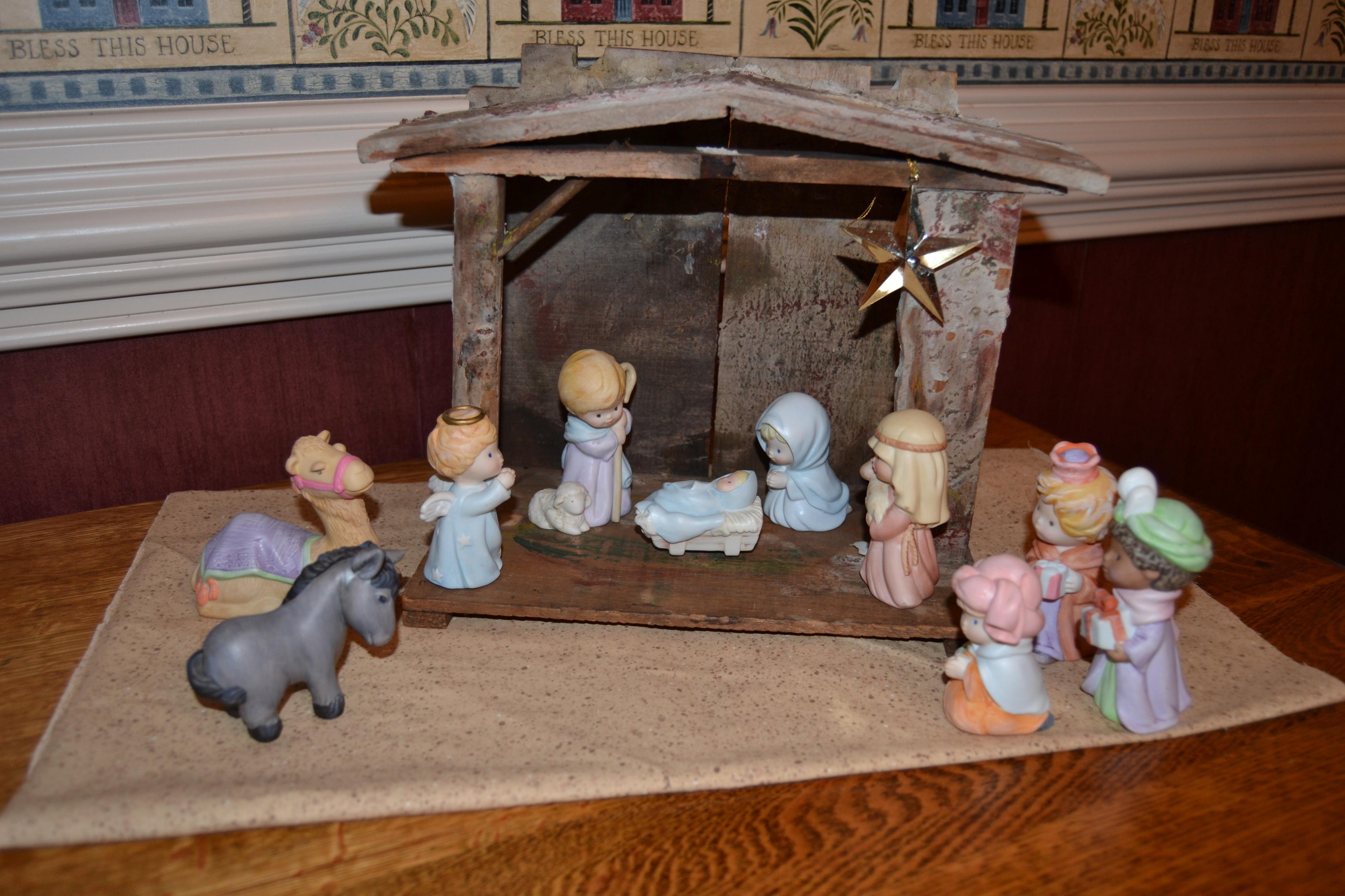 Simple Nativity Set Our nativity scene reflects my