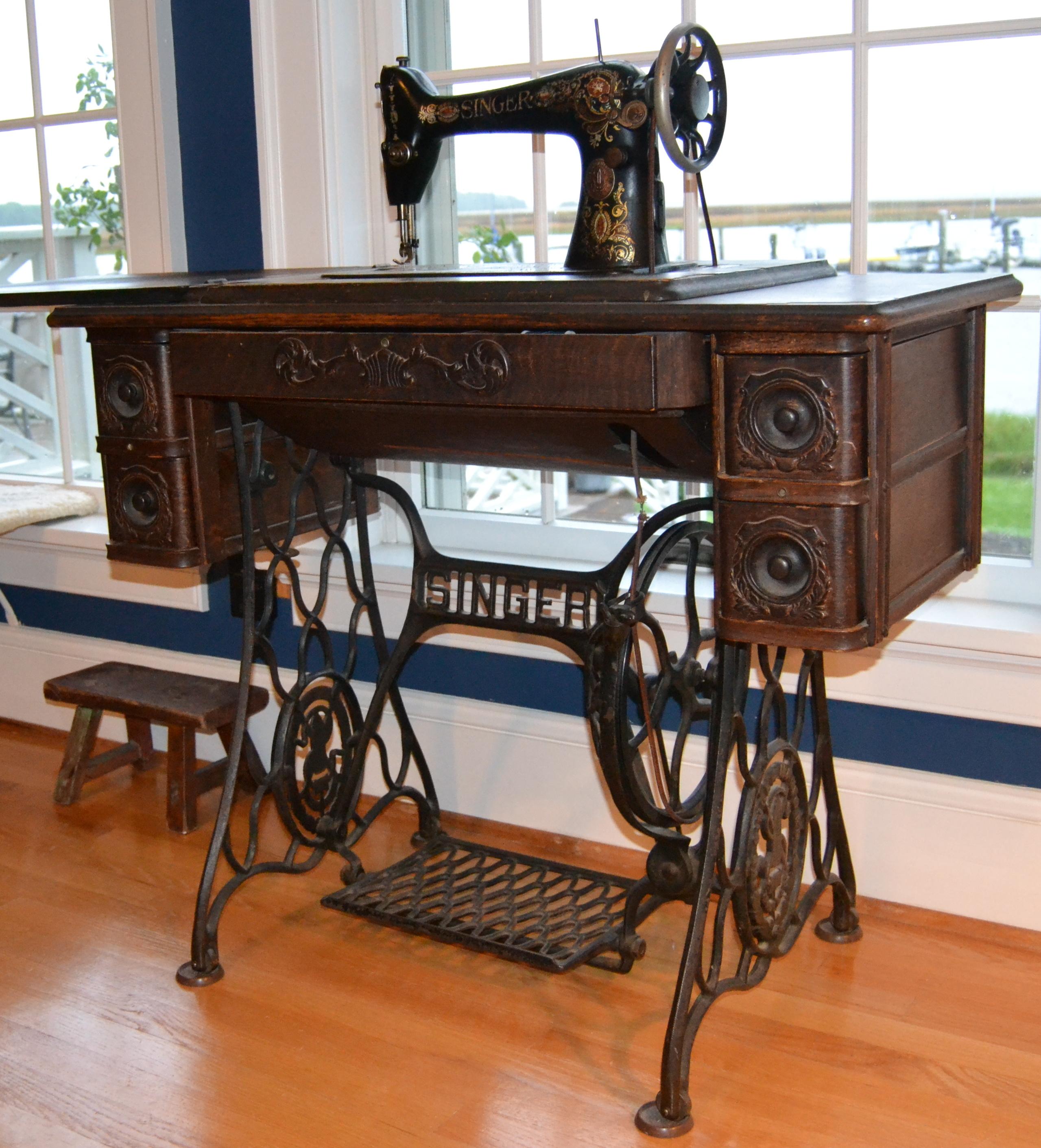 Vintage Singer Sewing Treadle Machine Woodland Decor