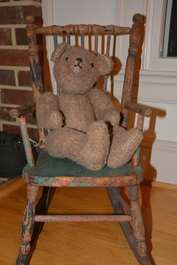bear in rocker 11-26-2013 6-09-15 AM