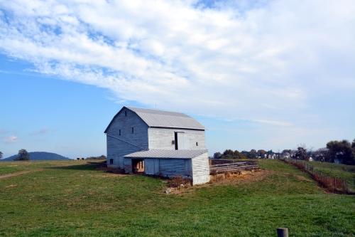 white barn2 10-26-2013 10-37-04 PM
