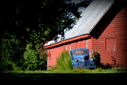 truck and barn 7-5-2014 8-19-10 AM