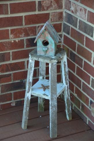 wren bird house 8-14-2014 8-26-03 AM
