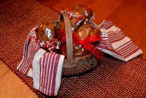 applesauce cakes 12-17-2014 6-45-26 PM