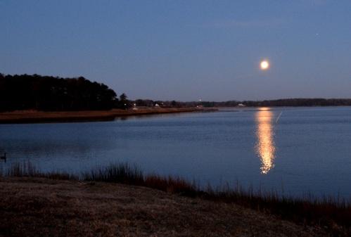 moon setting1 2-4-2015 6-44-06 AM