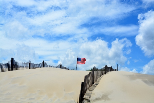 dunes and flag 7-4-2015 1-26-40 PM