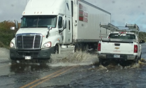 tractor-trailer-flood-001